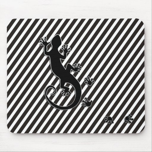 Running Gecko - black & white stripes Mouse Pads