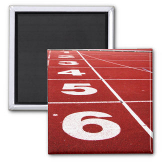 Running track square magnet