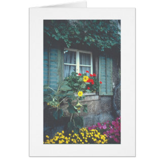 RUSTIC VINE-COVERED COTTAGE WITH FLOWERS NOTE CARD