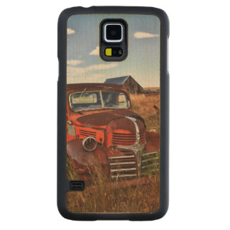 Rusting orange Dodge truck with abandoned farm Carved Maple Galaxy S5 Case