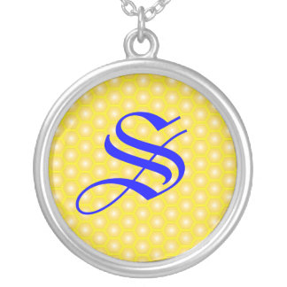 S LETTER ON HONEYCOMB ROUND PENDANT NECKLACE