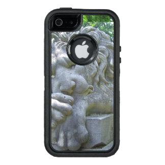 Sad Lion Statue OtterBox iPhone 5/5s/SE Case