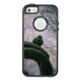 Sad pigeon OtterBox iPhone 5/5s/SE case