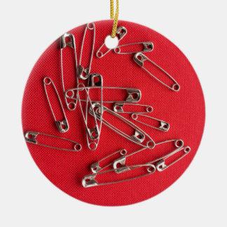 Safety-pins Round Ceramic Decoration