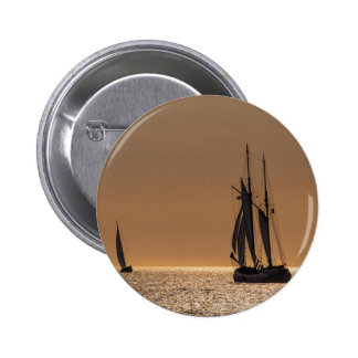 Sailing boats on shore of the Baltic Sea 6 Cm Round Badge