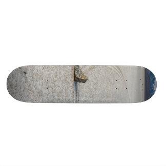 SAILING STONES SKATEBOARD