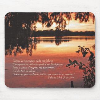 Salmos 23 1-3 con Puesta del Sol Mouse Pad