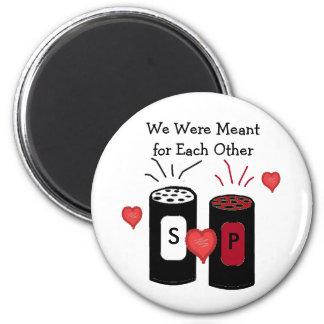 Salt and Pepper Love Design 6 Cm Round Magnet