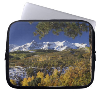 San Juan Mountains and Aspen trees in fallcolor Laptop Sleeve