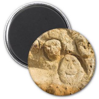 Sand Faces 6 Cm Round Magnet