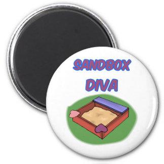 SANDBOX DIVA 6 CM ROUND MAGNET