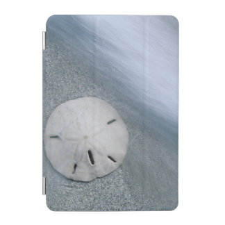 Sanddollar on Beach | Sanibel Island, Florida iPad Mini Cover