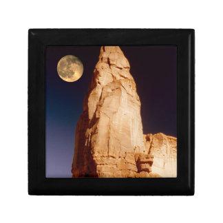 Sandstone Pinacle Gift Box