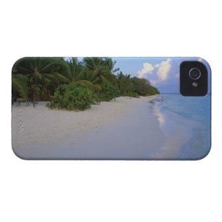 Sandy Beach 7 iPhone 4 Cover