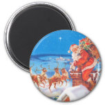 Santa Claus Up On  The Rooftop On Christmas Eve 6 Cm Round Magnet