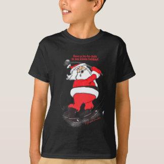 Santa golfing Christmas gifts. T-Shirt