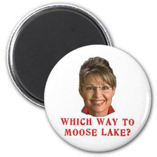 Sarah Palin Which Way to Moose Lake Humor 6 Cm Round Magnet