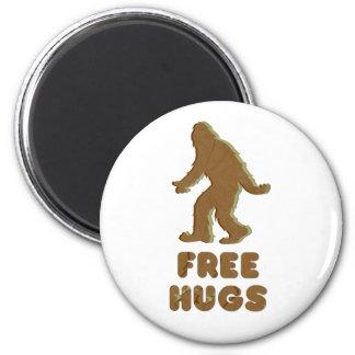 SASQUATCH - FREE HUGS 6 CM ROUND MAGNET