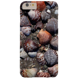Scalloped Colorful Seashells On A Black Sand Barely There iPhone 6 Plus Case