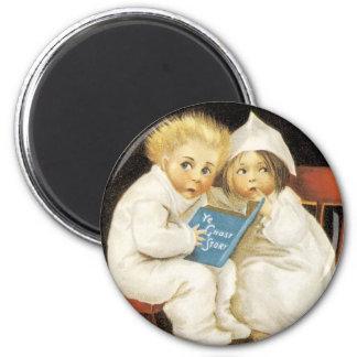 Scared Children on Halloween 6 Cm Round Magnet