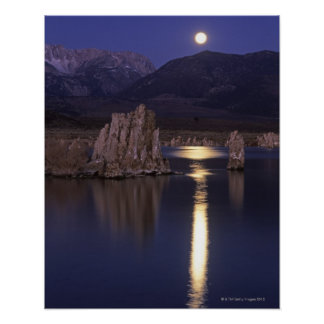 Scenic view of Mono Lake outside of Yosemite 2 Poster