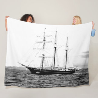 SCHOONER FLEECE BLANKET