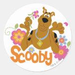 Scooby in Flowers Round Sticker