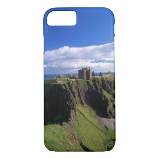 Scotland, Aberdeen. Dunnotar Castle. iPhone 8/7 Case