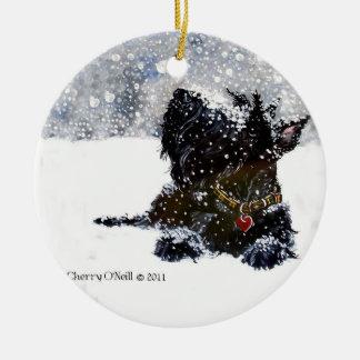 Scottie in the snow round ceramic decoration