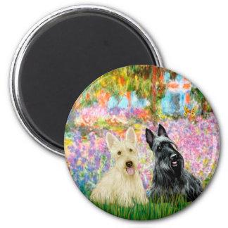 Scottish Terrier (two BW) - Garden Magnet
