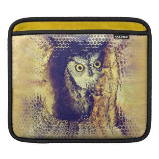 SCREECH OWL iPad Sleeve