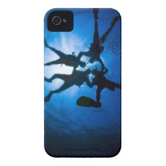 Scuba Divers into the blue Case-Mate iPhone 4 Case