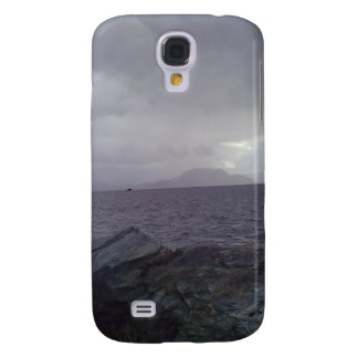 Sea with mountain in the background galaxy s4 case