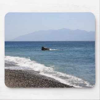Sea with stones mouse pad