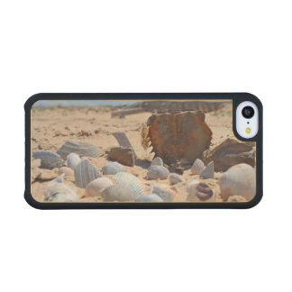 'Seashells By The Seashore' Carved® Maple iPhone 5C Slim Case