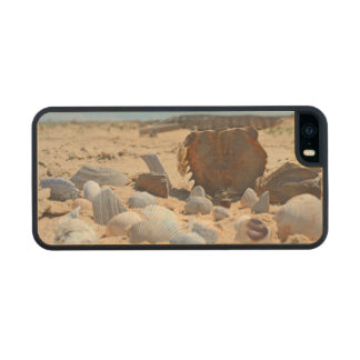 'Seashells By The Seashore' Carved® Maple iPhone 5 Slim Case