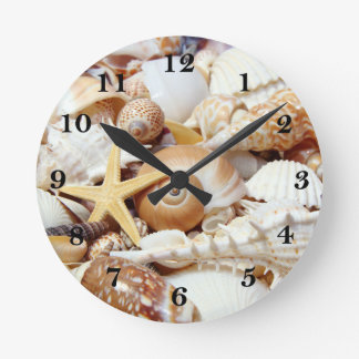 Seashells Round Clock