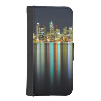 Seattle skyline at night with reflection iPhone SE/5/5s wallet case
