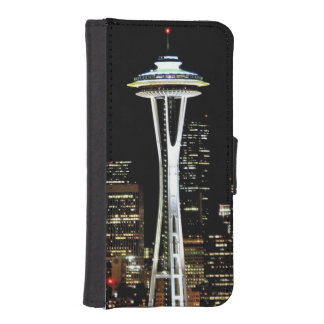 Seattle skyline at night, with Space Needle. iPhone SE/5/5s Wallet Case