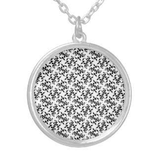 Secure Careful Friendly Celebrated Round Pendant Necklace