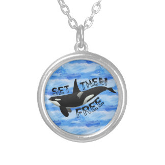 Set them free orca round pendant necklace