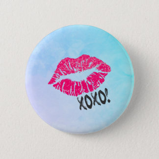 Sexy Pink Kissy Lips with xoxo! 6 Cm Round Badge