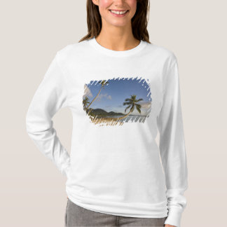 Seychelles, Mahe Island, horizontal palm, T-Shirt