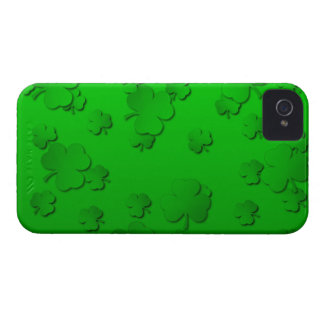 Shamrocks iPhone 4 Covers