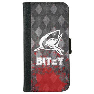 Shark Pictogram on Grungy Black Argyle iPhone 6 Wallet Case