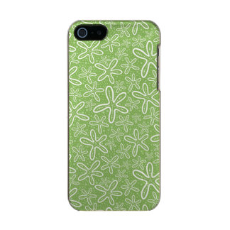 Shell Pattern On Spotted Background Incipio Feather® Shine iPhone 5 Case