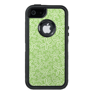 Shell Pattern On Spotted Background OtterBox iPhone 5/5s/SE Case