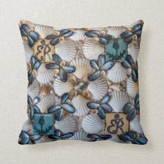 Shells Cushion