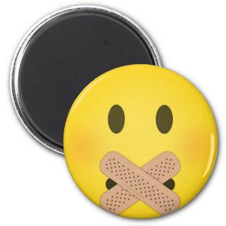 Shh emoji 6 cm round magnet