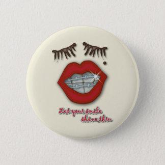 Shiny Braces, Red Lips, Mole, and Thick Eyelashes 6 Cm Round Badge